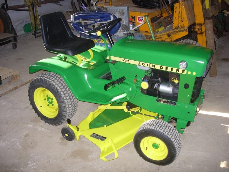 Appel t moins vol d un tracteur tondeuse john deere 140 chez un agriaviseur - Tracteur tondeuse john deere occasion ...