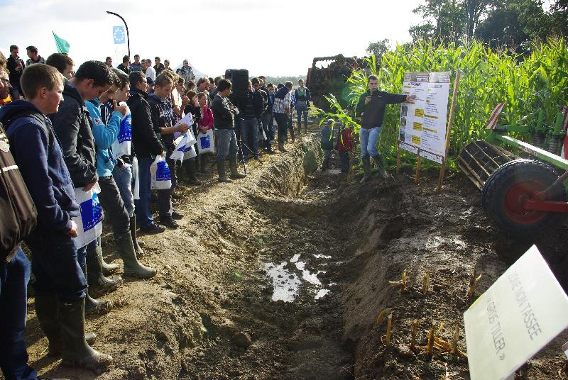 Evenement cuma 2000 visiteurs ont particip m casol en for Chambre agriculture mayenne