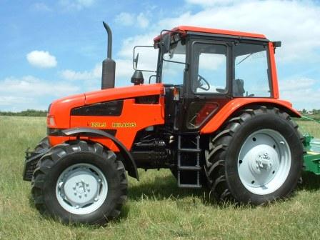 les tracteurs belarus neufs se positionnent un niveau de prix inf rieur de 25 aux occasions. Black Bedroom Furniture Sets. Home Design Ideas