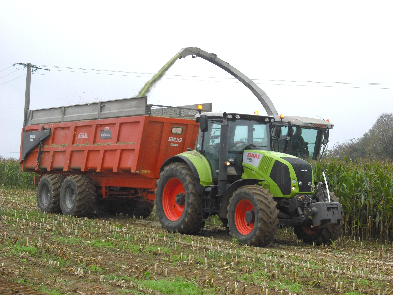 Avis axion 840 cebis cis de la marque claas tracteurs - Image de tracteur ...