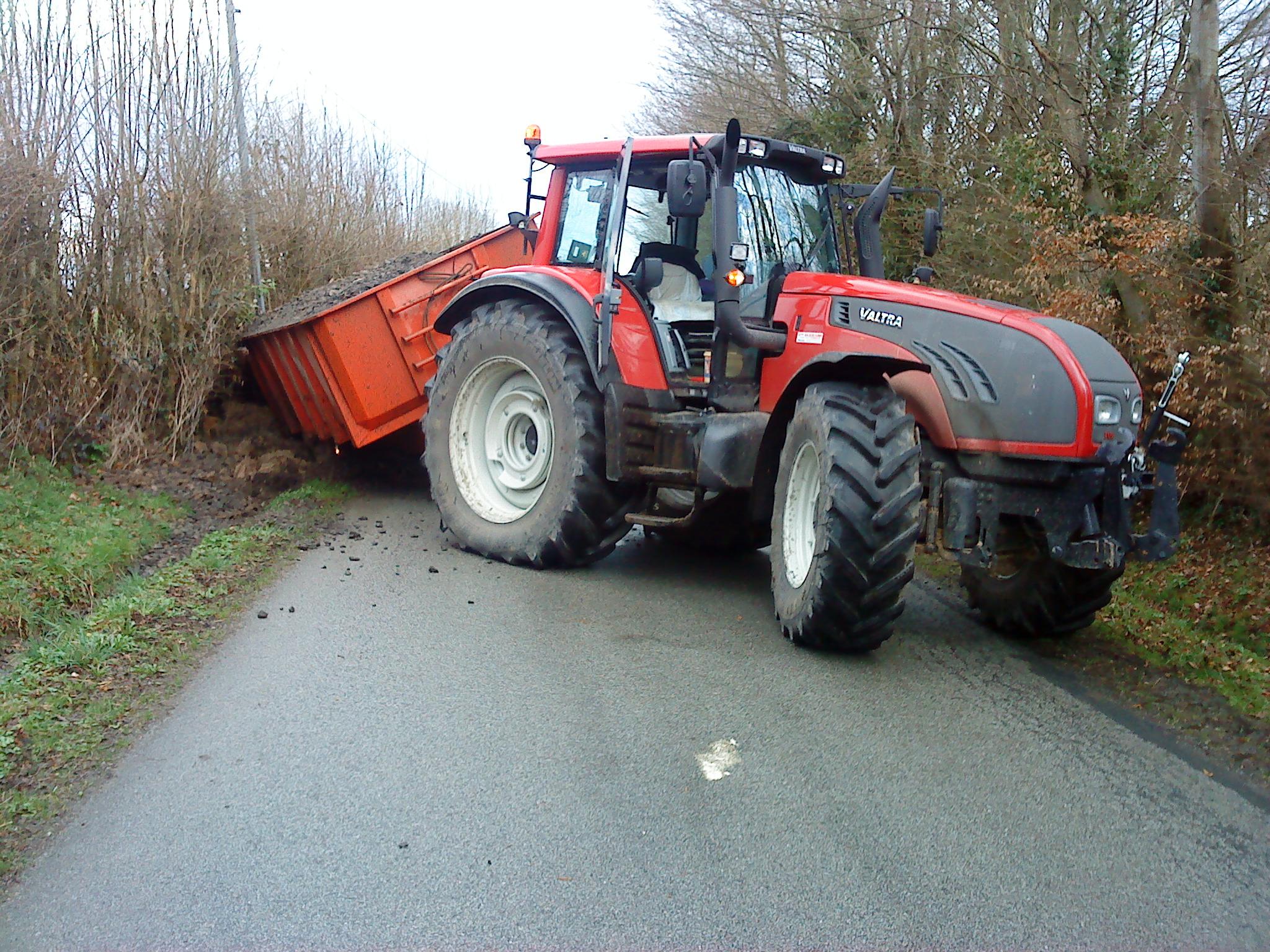 Avis t172 versu et direct de la marque valtra tracteurs agricoles - Cars et les tracteurs ...