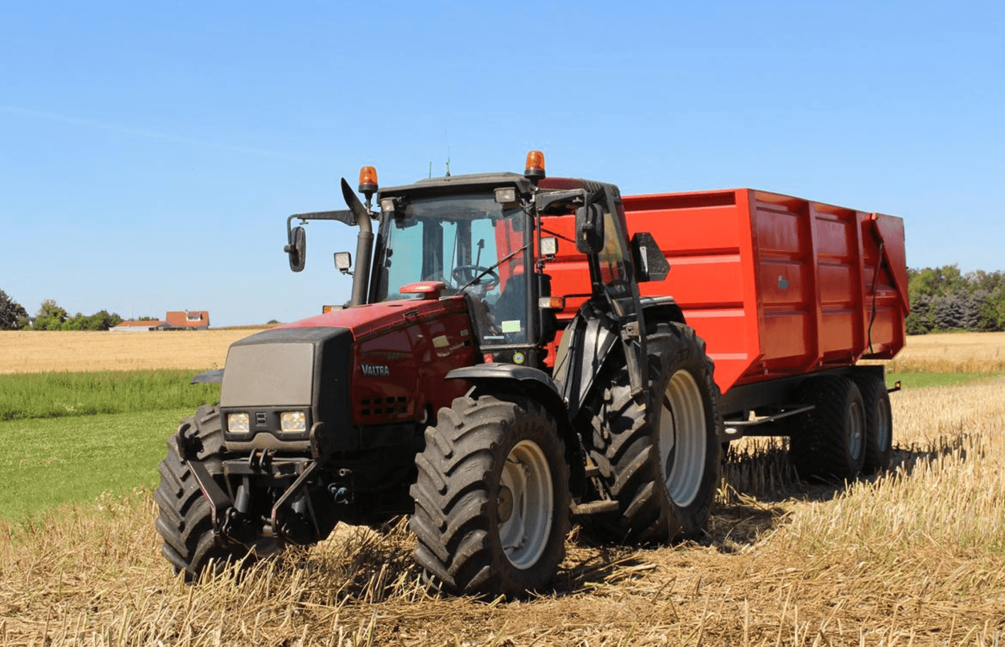 avis 8150 de la marque valtra tracteurs agricoles. Black Bedroom Furniture Sets. Home Design Ideas