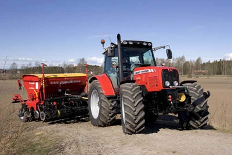avis mf 6470 de la marque massey ferguson tracteurs agricoles. Black Bedroom Furniture Sets. Home Design Ideas
