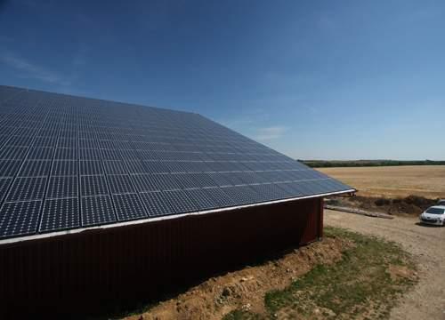 Avis La rénovation gratuite de toiture de la marque Solareo - Energie photovoltaïque