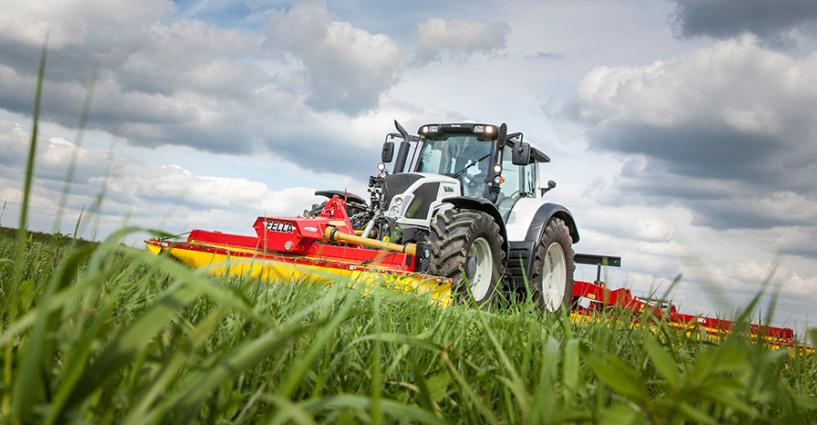 Photo du Tracteurs agricoles N123 HiTech, Direct, Versu