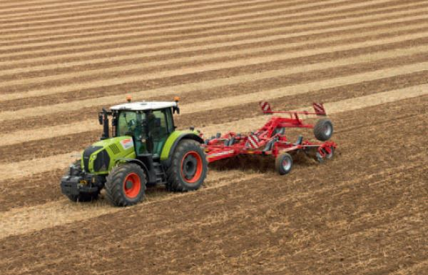 Photo du Tracteurs agricoles Arion 550 (2013)