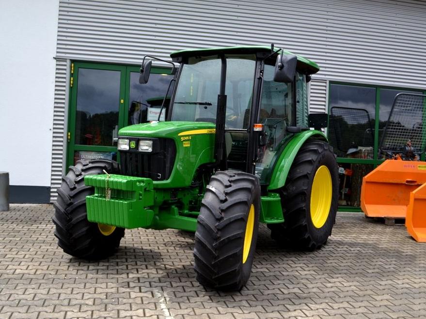 Photo du Tracteurs agricoles 5065E