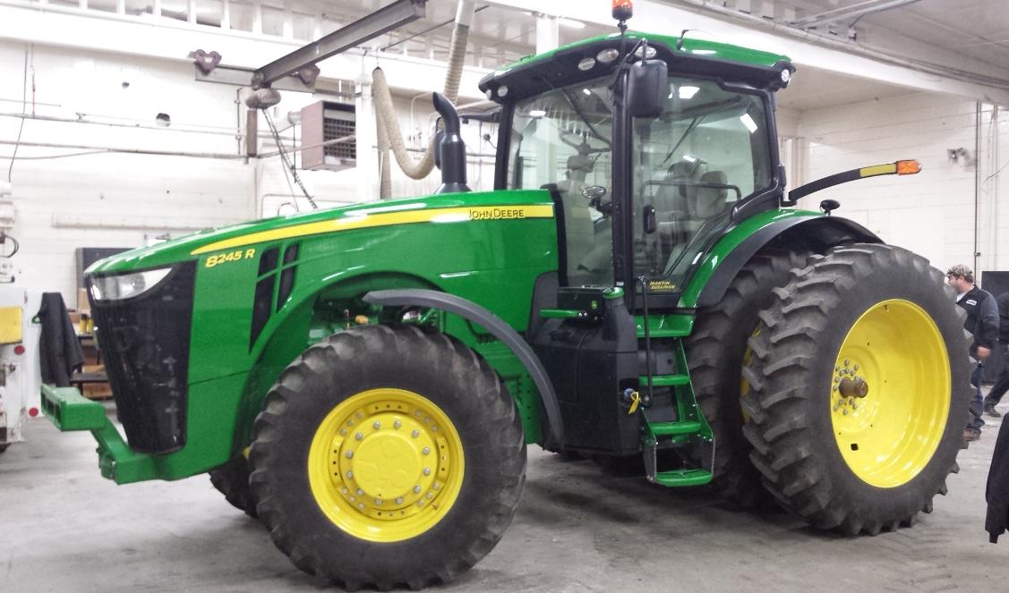 Photo du Tracteurs agricoles 8245R