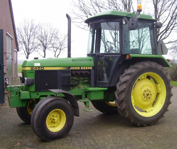 Photo du Tracteurs agricoles 2450 Luxe