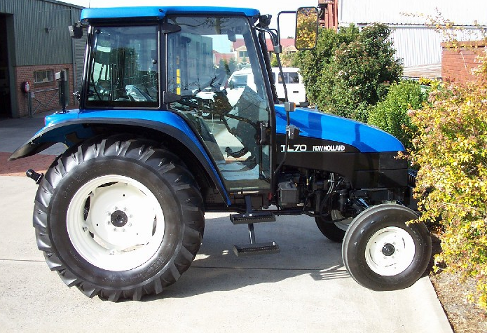 Photo du Tracteurs agricoles TL70 Cabine Shuttle Command