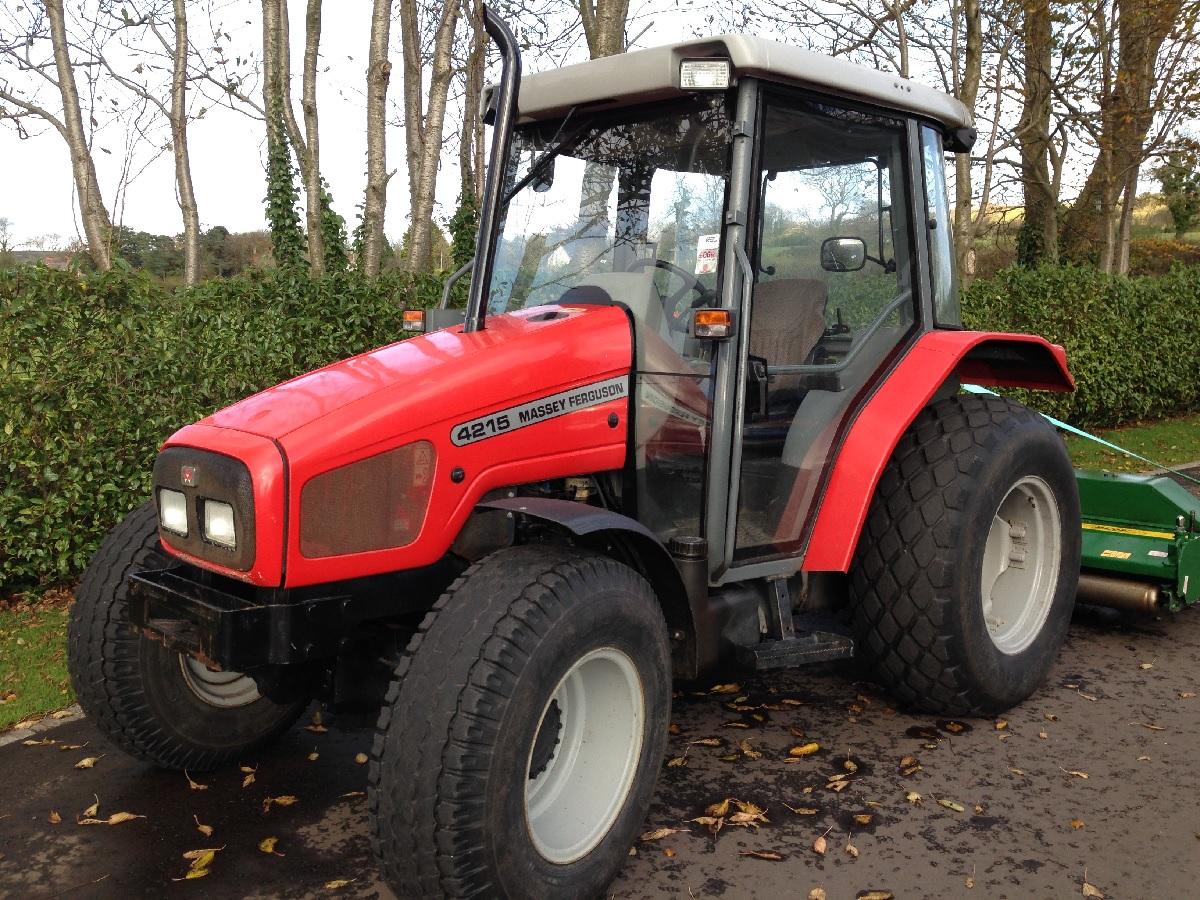 Photo du Tracteurs agricoles MF 4215 Confort Capot Plongeant