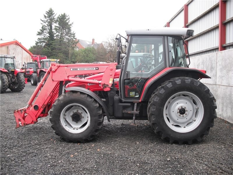 Photo du Tracteurs agricoles MF 4355 Confort Capot Plongeant