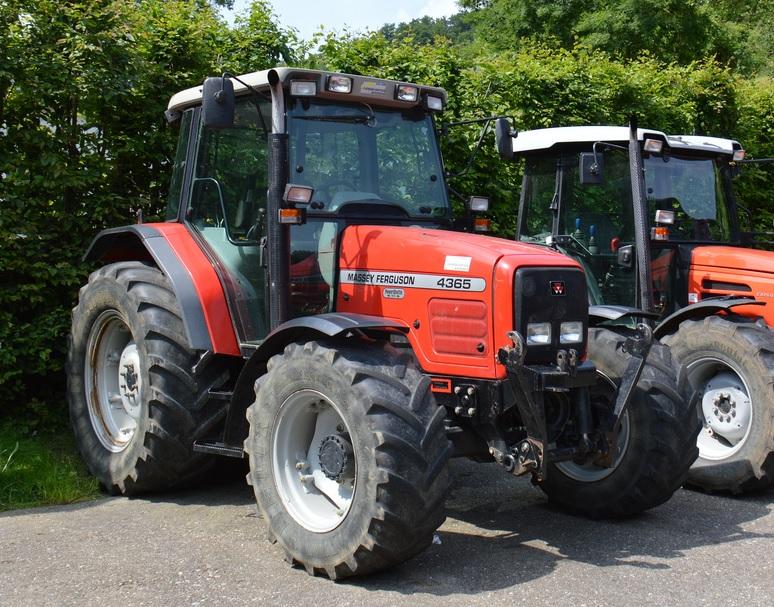 Photo du Tracteurs agricoles MF 4365 Luxe