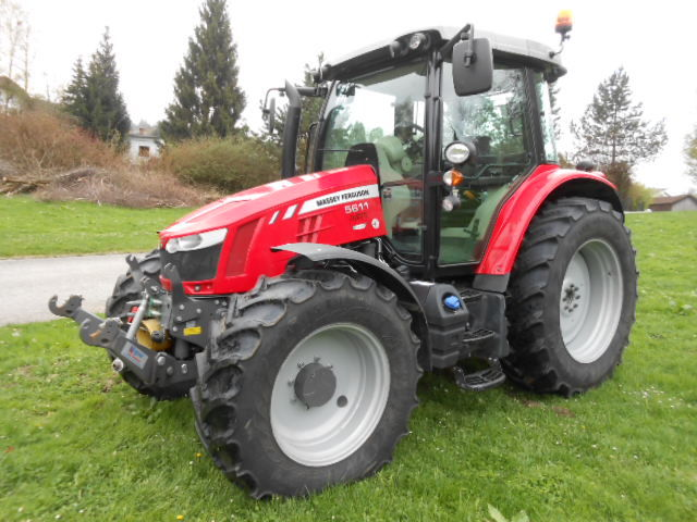 Photo du Tracteurs agricoles MF 5611 Dyna-4