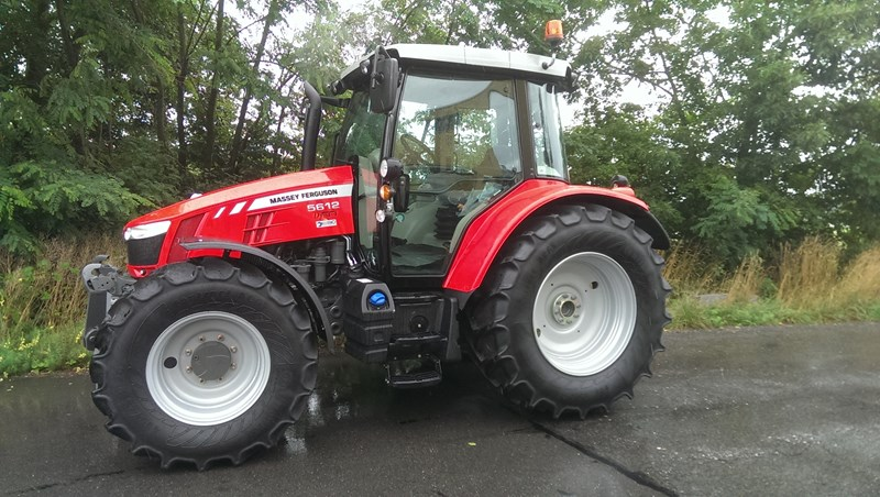 Photo du Tracteurs agricoles MF 5612 Dyna-6 Efficient Standard