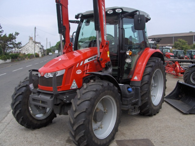 Photo du Tracteurs agricoles MF 5613 Dyna-4