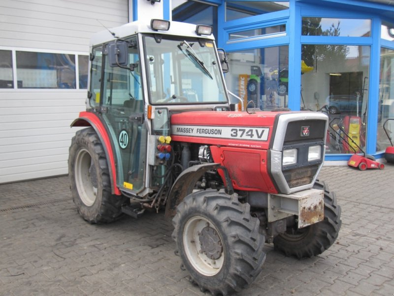 Photo du Tracteurs fruitiers MF 374 SGE Basset