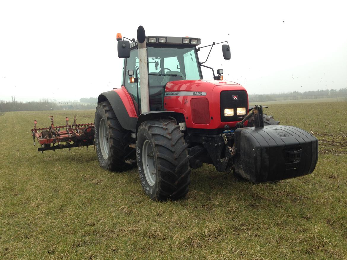 Photo du Tracteurs agricoles MF 8220 XTra