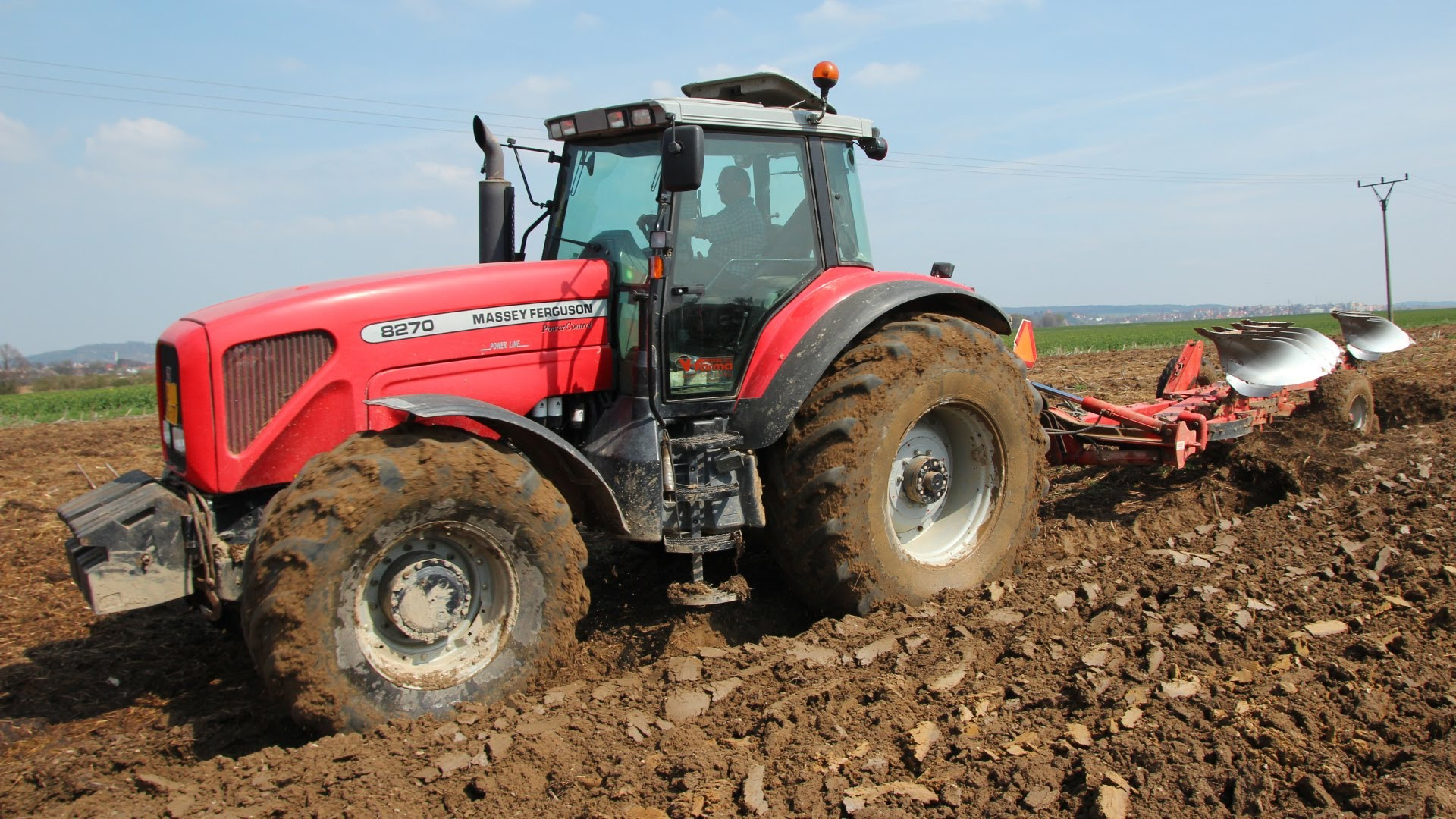 Photo du Tracteurs agricoles MF 8270 Powershift Plus