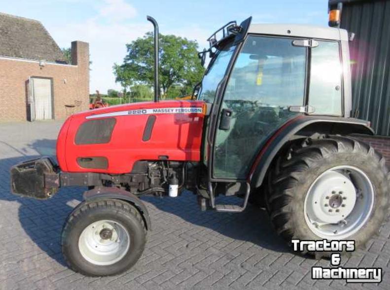 Photo du Tracteurs agricoles MF 2220 Standard Arceau