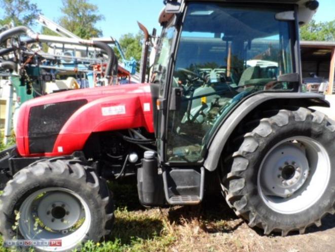 Photo du Tracteurs agricoles MF 2440 GE