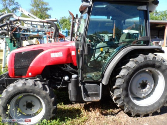 Photo du Tracteurs agricoles MF 2440 GE