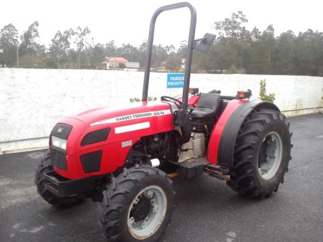 Photo du Tracteurs agricoles MF 3235 V Arceau Rabattable