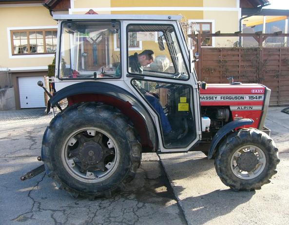 Photo du Tracteurs fruitiers MF 354 F