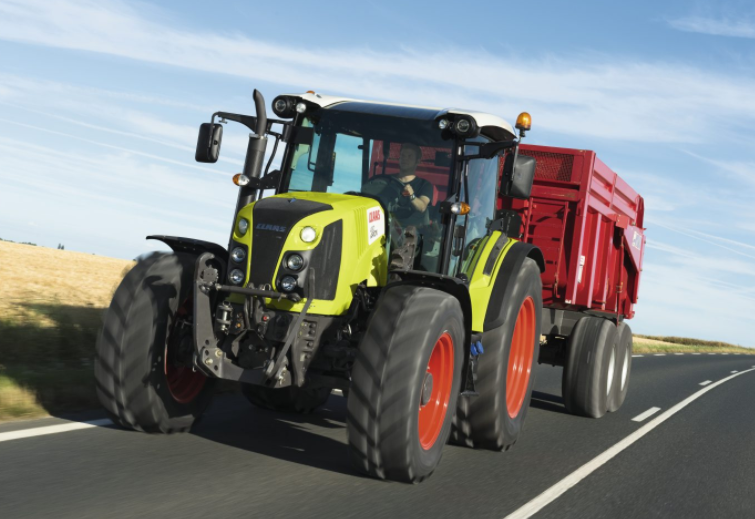 Photo du Tracteurs agricoles Arion 450