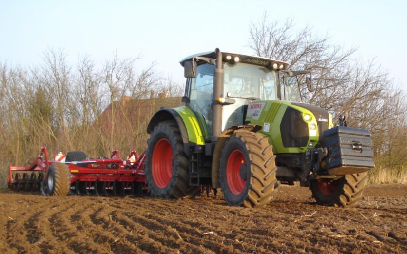 Photo du Tracteurs agricoles Arion 620