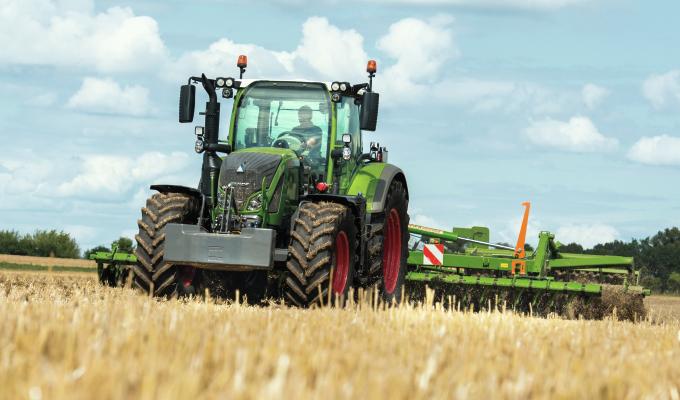 Photo du Tracteurs agricoles 714 Vario