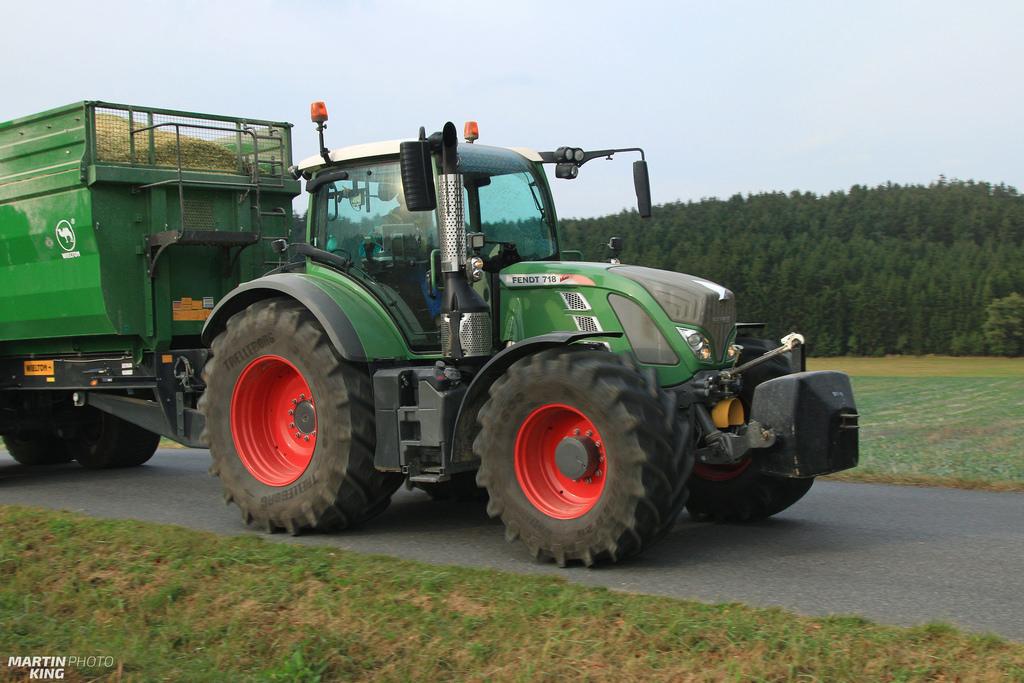 Photo du Tracteurs agricoles 718 Vario