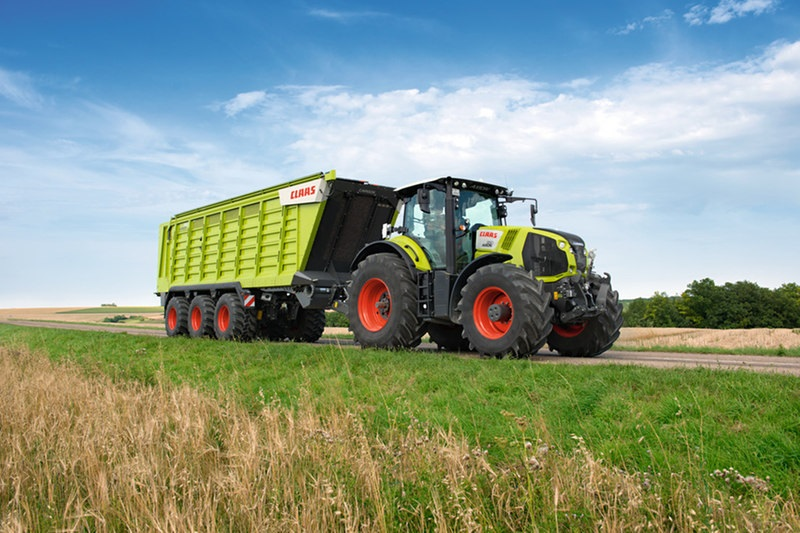 Photo du Tracteurs agricoles Axion 830