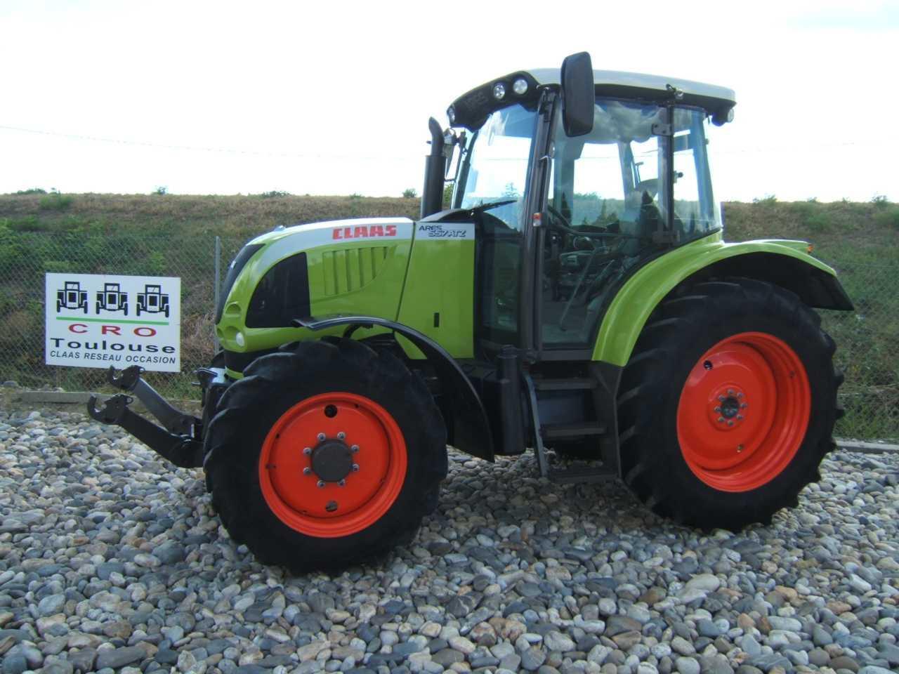 Photo du Tracteurs agricoles Arès 557