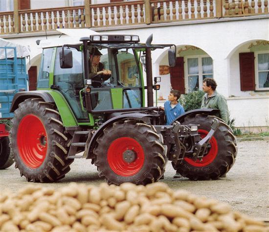 Photo du Tracteurs agricoles 395 GTA Porte Outils