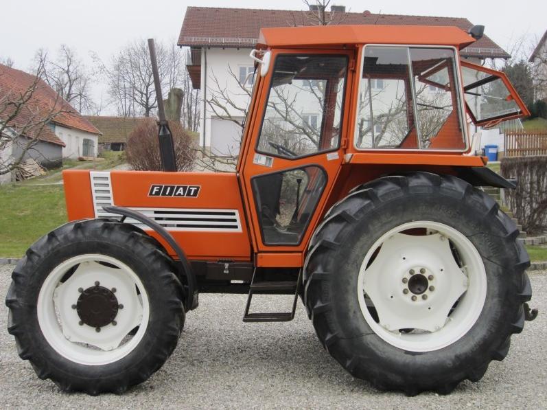 Photo du Tracteurs agricoles 780 DT