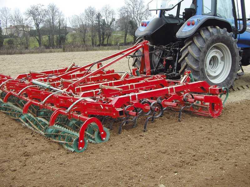 Photo du Vibroculteurs/ Combinés de préparation de sols TLG
