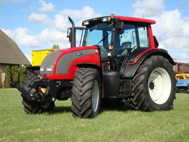 avis n 141 de la marque valtra tracteurs agricoles. Black Bedroom Furniture Sets. Home Design Ideas