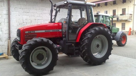 Photo du Tracteurs agricoles MF 4270