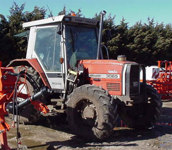 Photo du Tracteurs agricoles MF 3065