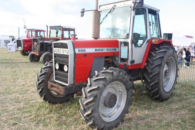 Photo du Tracteurs agricoles MF 698