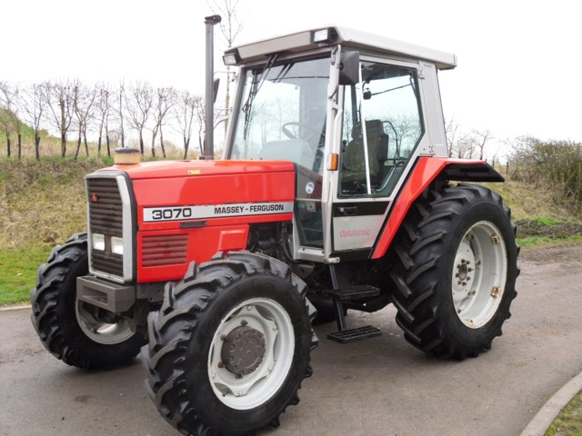 Photo du Tracteurs agricoles MF 3070