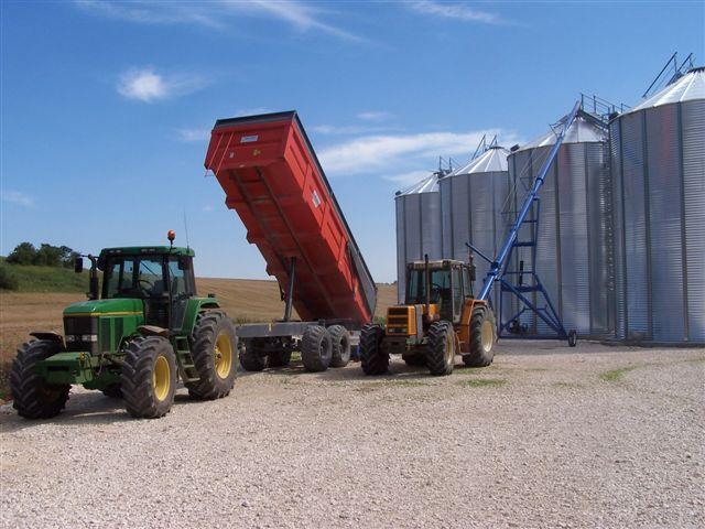 Photo du Tracteurs agricoles 7700