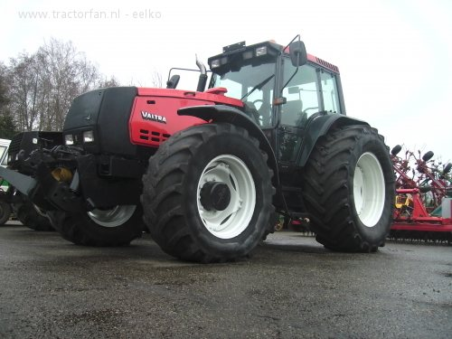 Photo du Tracteurs agricoles 8350 hi eco power
