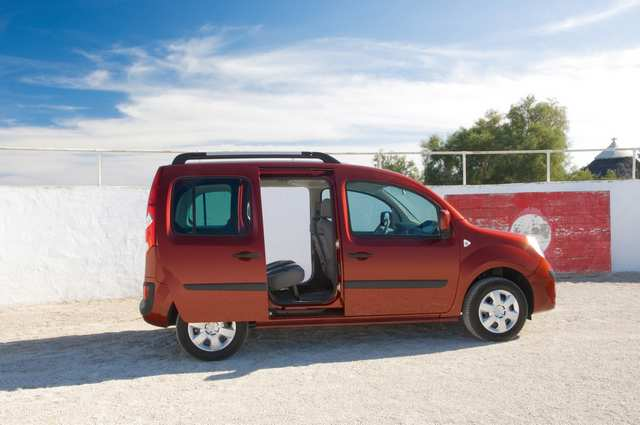 Photo du Berlines, coupés... Nouveau Kangoo 1.6 16V 105