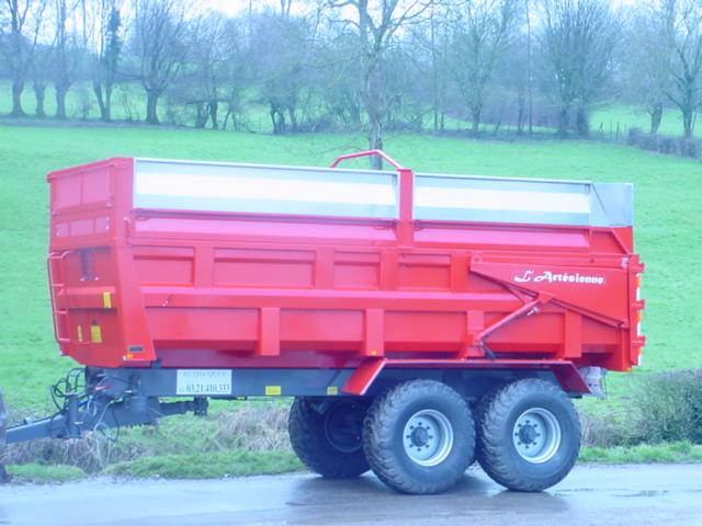 Photo du Remorques agricoles Remorques agricoles de 8 à 24 tonnes