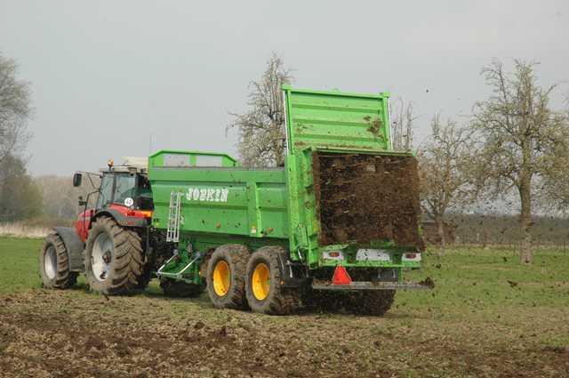 Photo du Epandeurs à fumier et composts Trans-SPACE FS5511/15BU, FS6011/17BU, FS6511/18BU, FS7011/20BU
