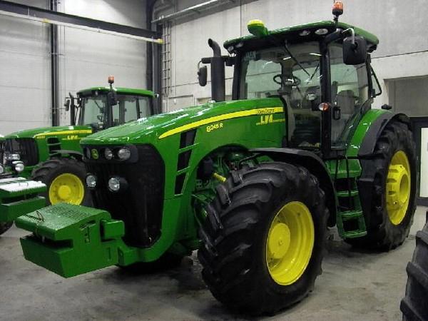 Photo du Tracteurs agricoles 8245R (Non Stop APS)