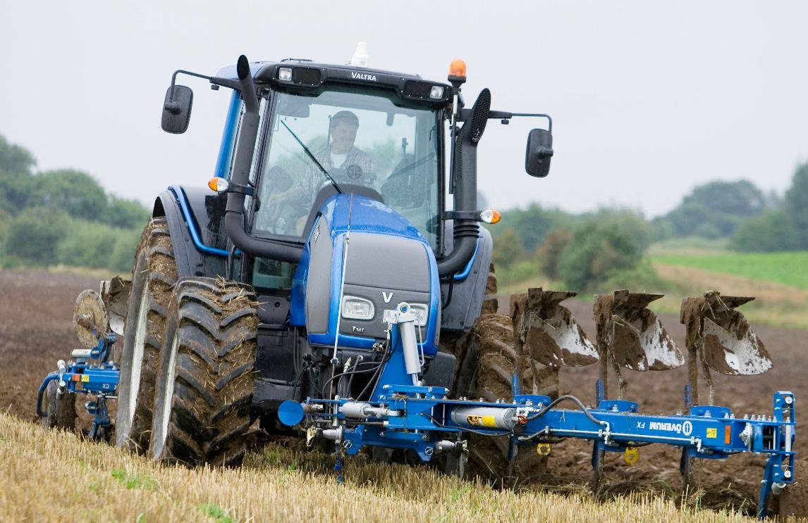 Avis t151 de la marque valtra tracteurs agricoles - Produits autorises en cabine ...