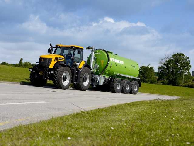 Photo du Tracteurs agricoles Fastrac 8310
